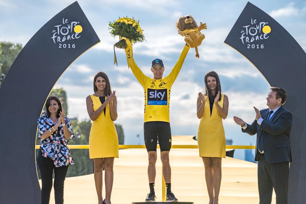 Chris Froome i den gule førertrøje i Tour de France